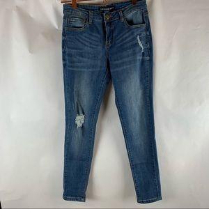 Fashion Nova Women's Size 7 Ripped Blue Jeans